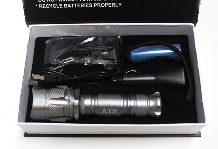 Q5 Cree LED USB Rechargeable Flashlight (200 Lumens) - Click Image to Close