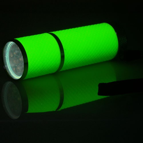 9 LED Glow-in-the-dark Flashlight / AF2002